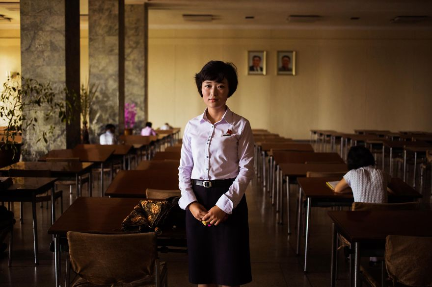 фотографии девушек на улицах Северной Кореи-4