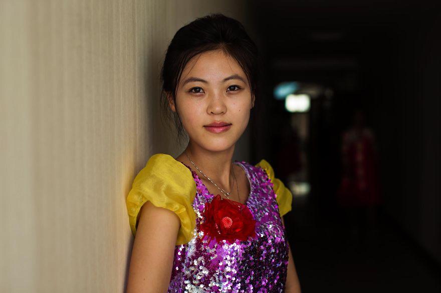 фотографии девушек на улицах Северной Кореи-5