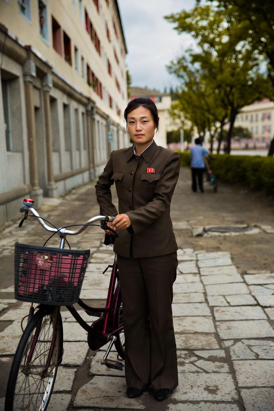 фотографии девушек на улицах Северной Кореи-6