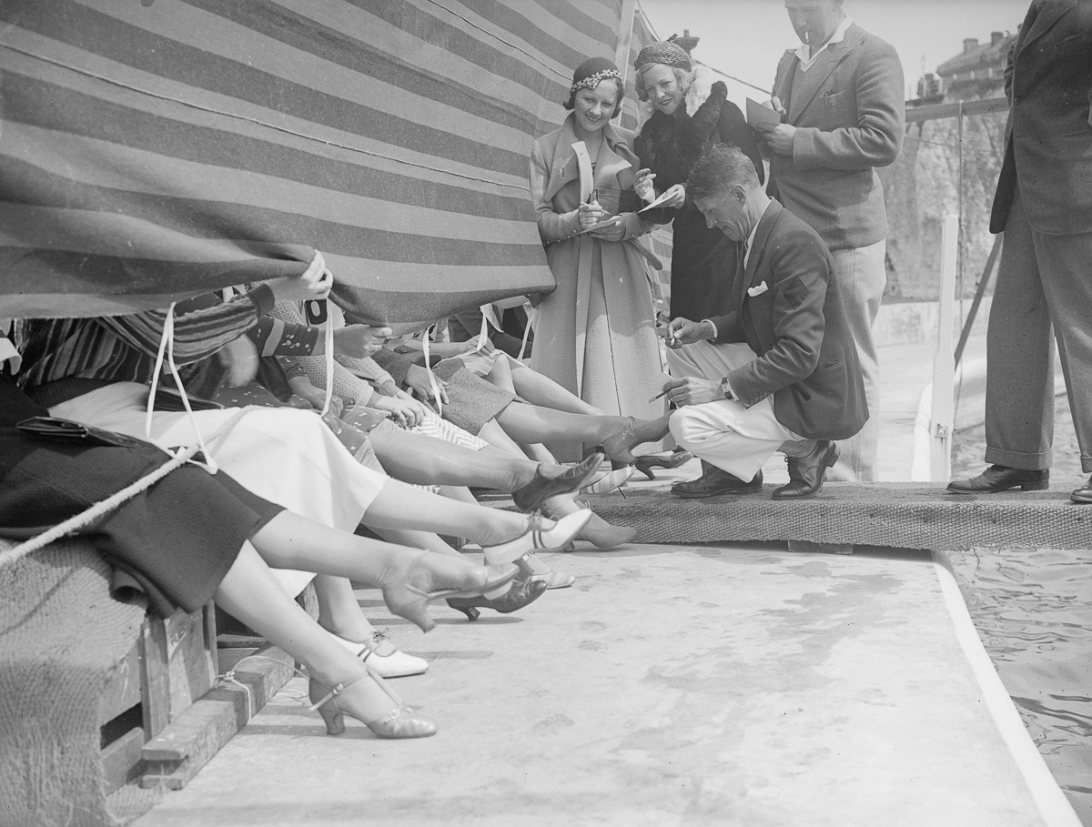 необычные конкурсы, самы красивые ноги-4