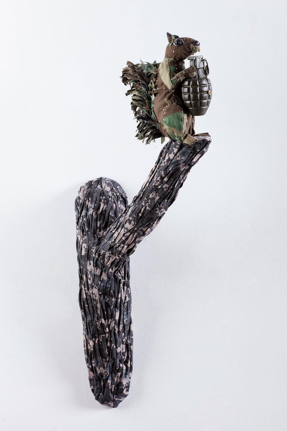 скульптуры из гильз и патронов-19