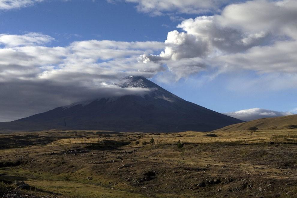жизнь у подножия вулкана , извержение-1