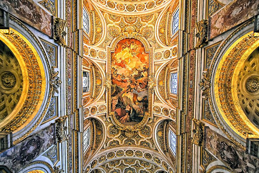 Красота потолков церквей Рима. Фото № 3