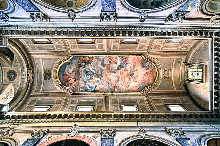 Красота потолков церквей Рима. Фото № 5