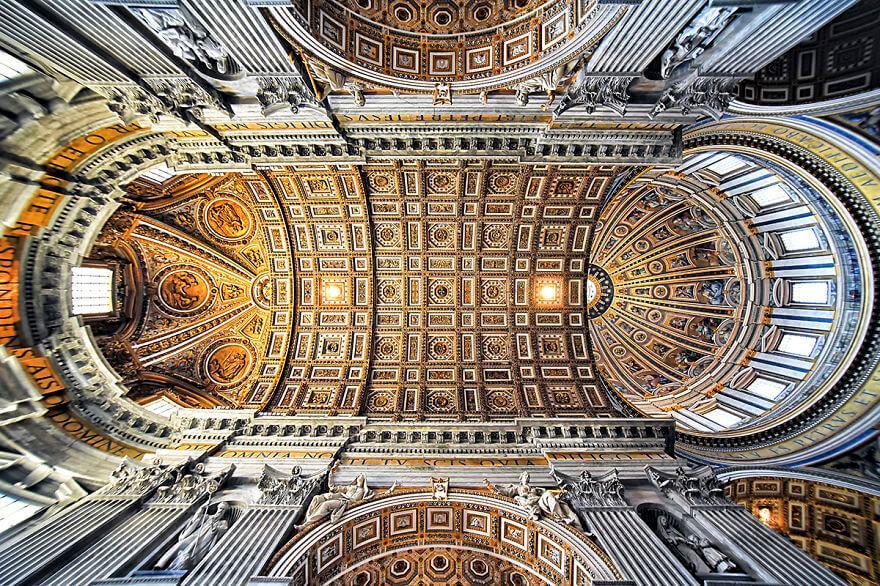 Красота потолков церквей Рима. Фото № 6