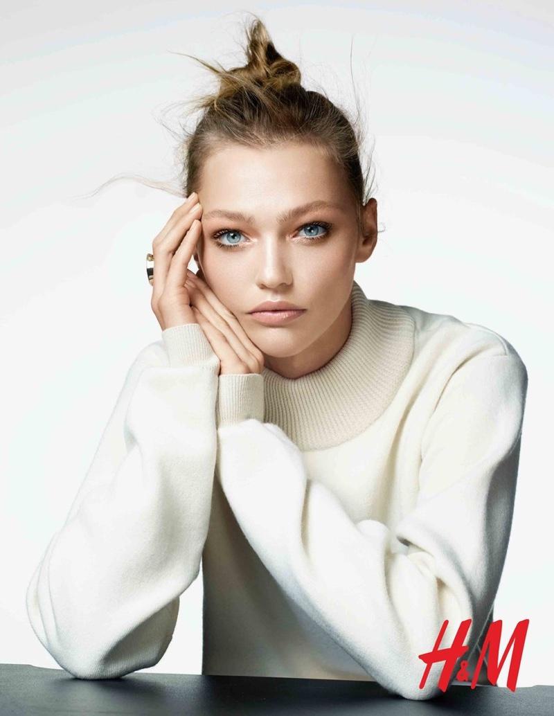 Саша Пивоварова HM-Beauty-Cosmetics-2015-Campaign-1