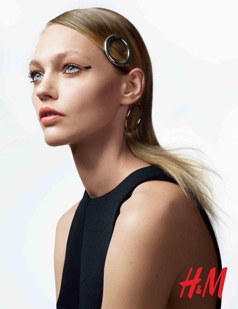 Саша Пивоварова HM-Beauty-Cosmetics-2015-Campaign-2