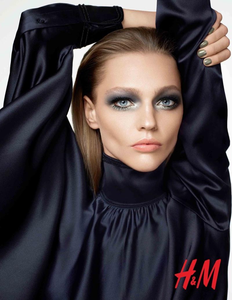Саша Пивоварова HM-Beauty-Cosmetics-2015-Campaign-4