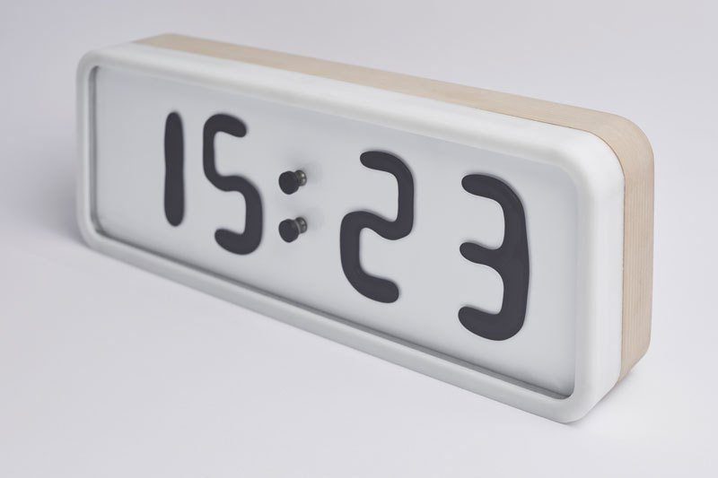 электро-механические часы с жидкокристаллическим дисплеем-10