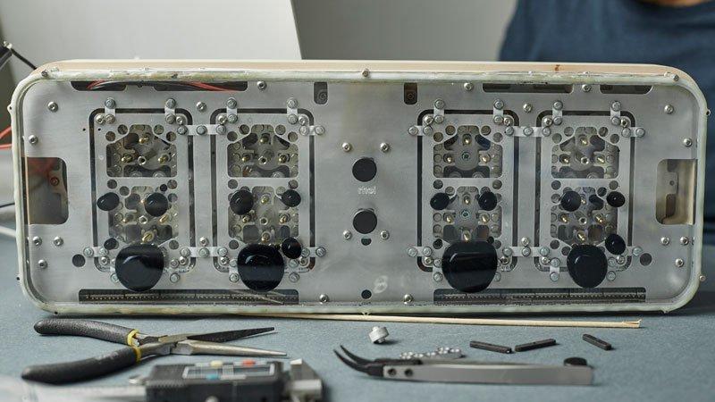 электро-механические часы с жидкокристаллическим дисплеем-6