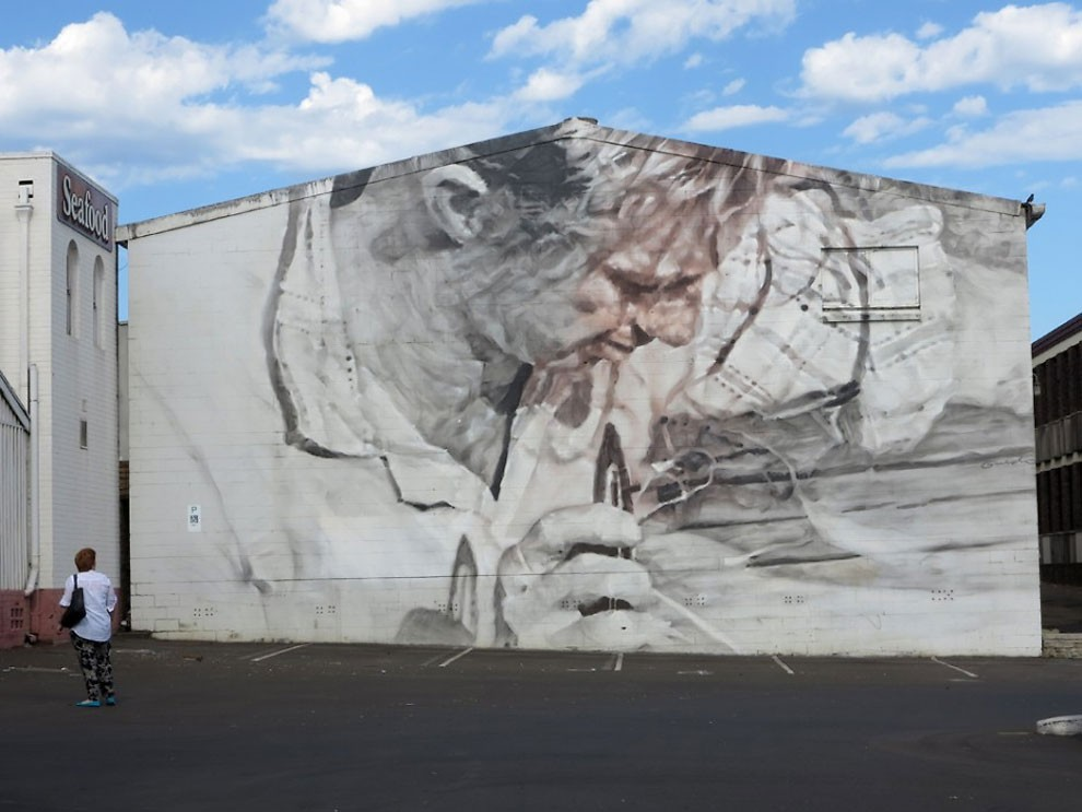 рисунки на домах, графити-11