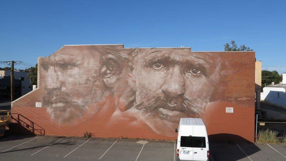 рисунки на домах, графити-12