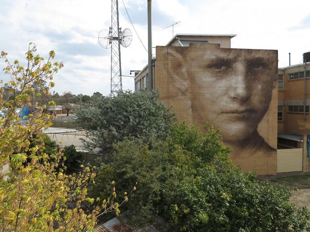 рисунки на домах, графити-8