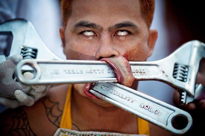 фестиваль на Пхукете, вегетарианский фестиваль, праздники Таиланда, фото № 1
