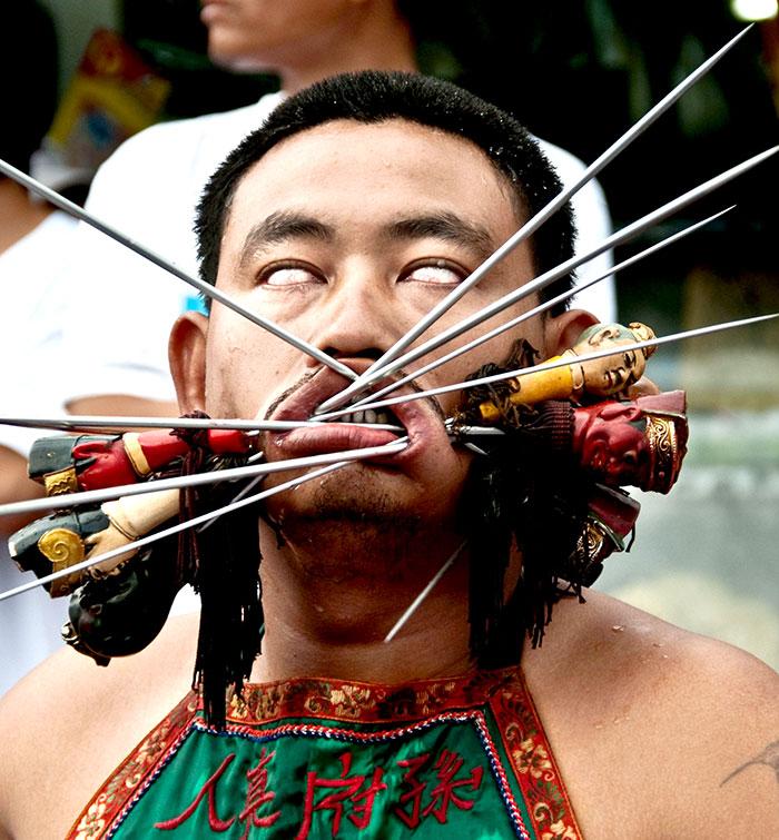 фестиваль на Пхукете, вегетарианский фестиваль, праздники Таиланда, фото № 2