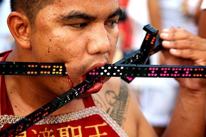 фестиваль на Пхукете, вегетарианский фестиваль, праздники Таиланда, фото № 5