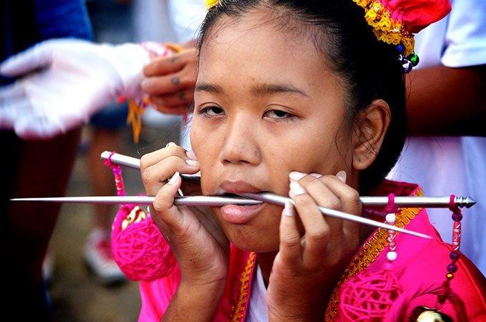 фестиваль на Пхукете, вегетарианский фестиваль, праздники Таиланда, фото № 7