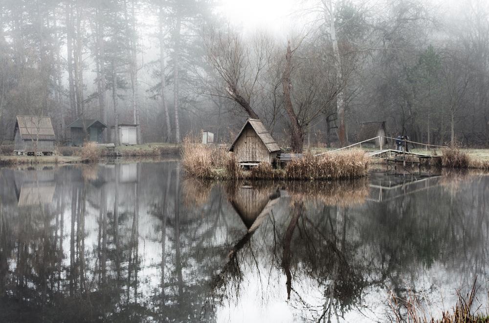 отражение в воде, рыбацкая деревня, брошенные деревни, рыбацкий поселок, фото № 2
