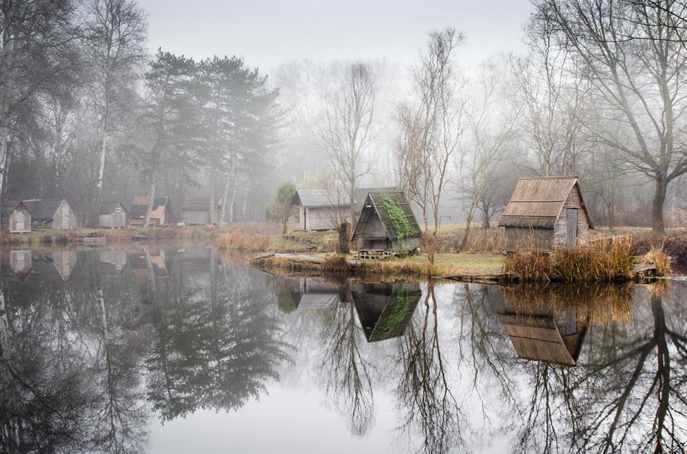 отражение в воде, рыбацкая деревня, брошенные деревни, рыбацкий поселок, фото № 9