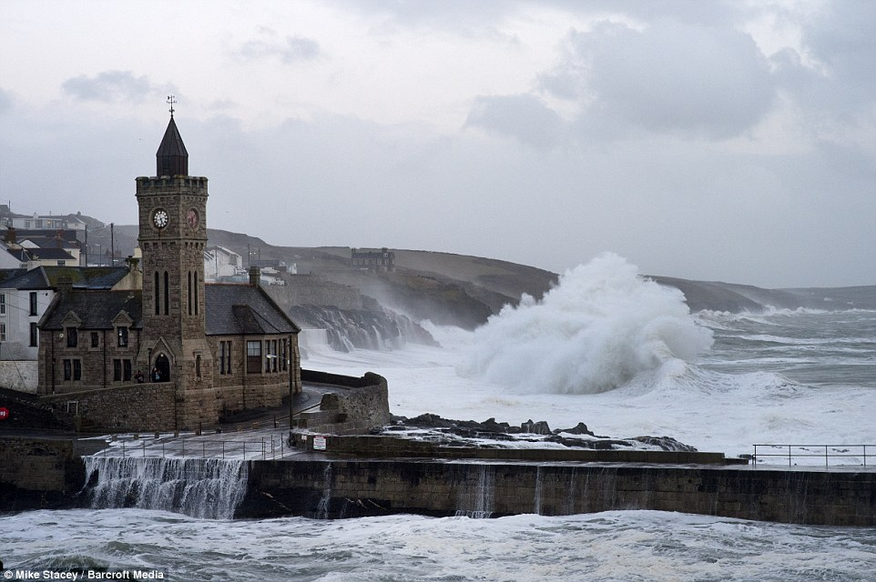 шторм в Великобритании, ураган, Корниш, фото № 20
