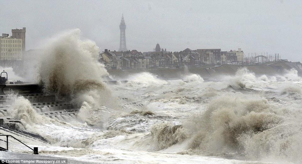 шторм в Великобритании, ураган, Корниш, фото № 6