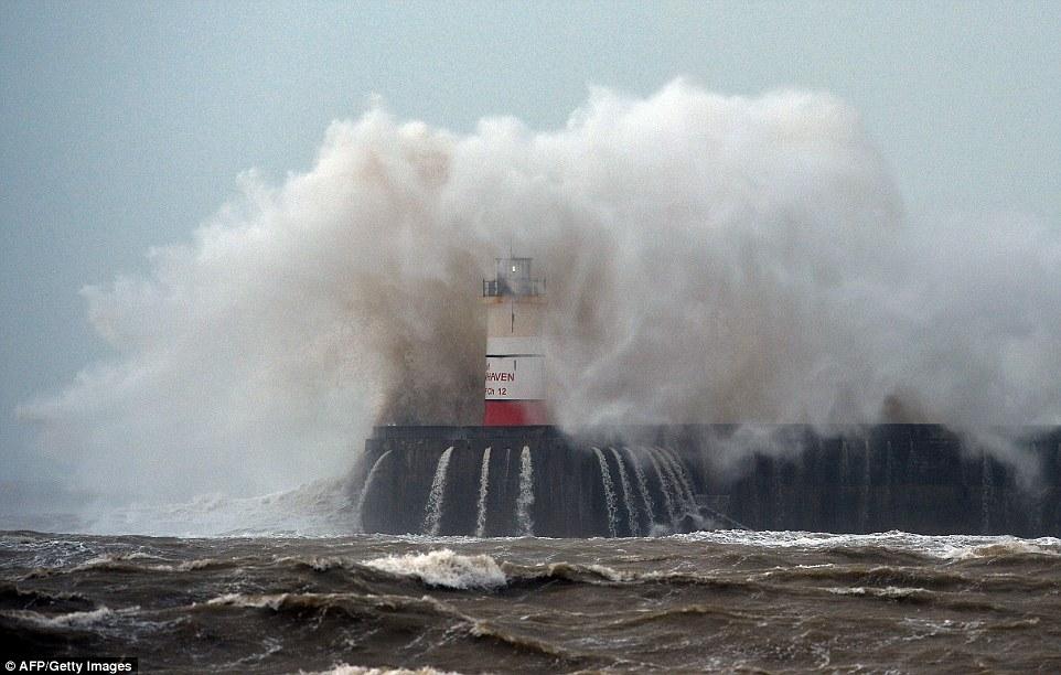 шторм в Великобритании, ураган, Корниш, фото № 8