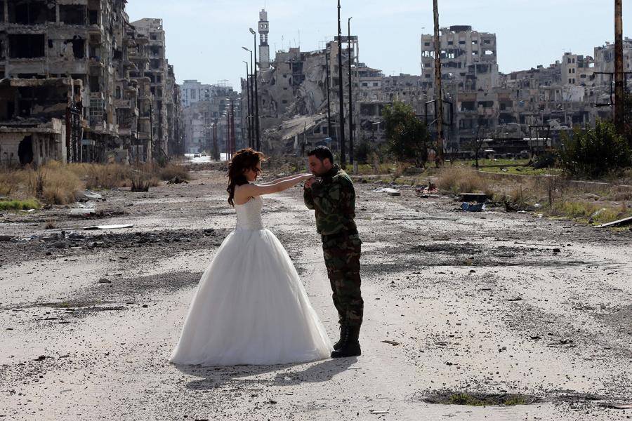 война в Сирии, свадебная фотография, руины города, фото № 4