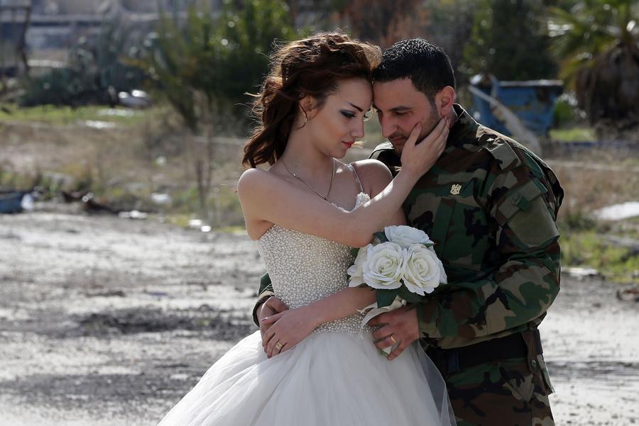 война в Сирии, свадебная фотография, руины города, фото № 5