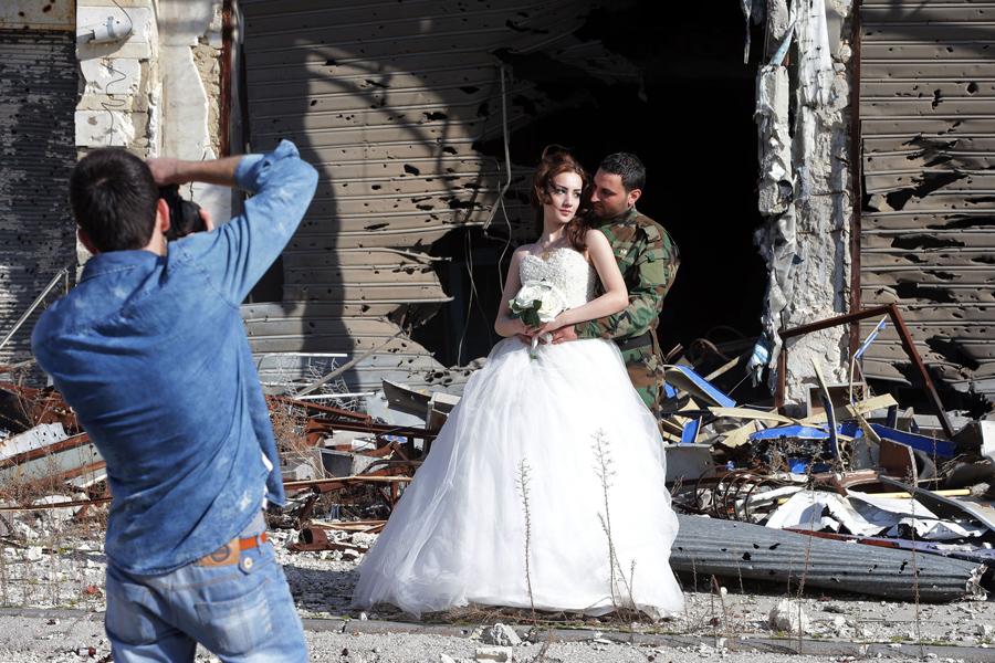 война в Сирии, свадебная фотография, руины города, фото № 6