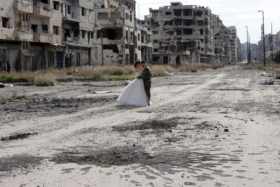 война в Сирии, свадебная фотография, руины города, фото № 7