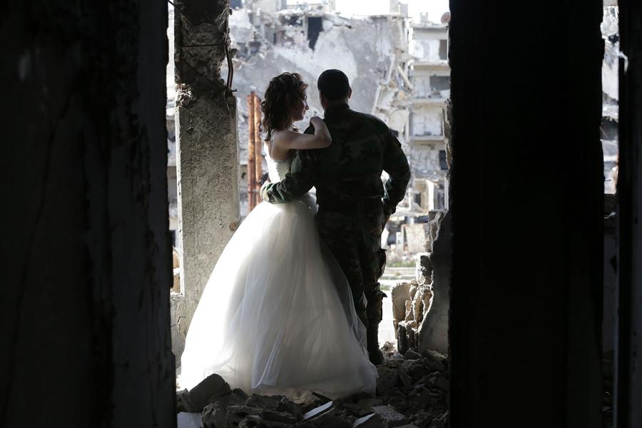 война в Сирии, свадебная фотография, руины города, фото № 8