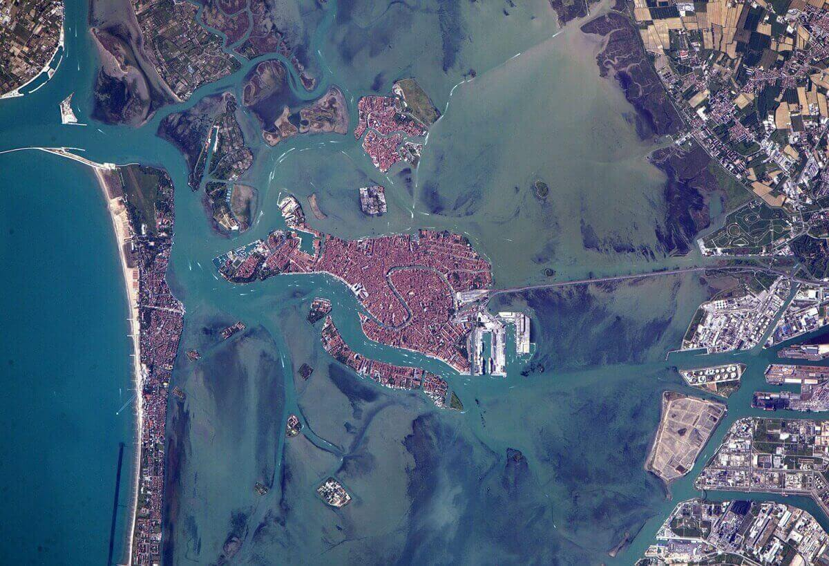 Город Венеция в Италии, снято.