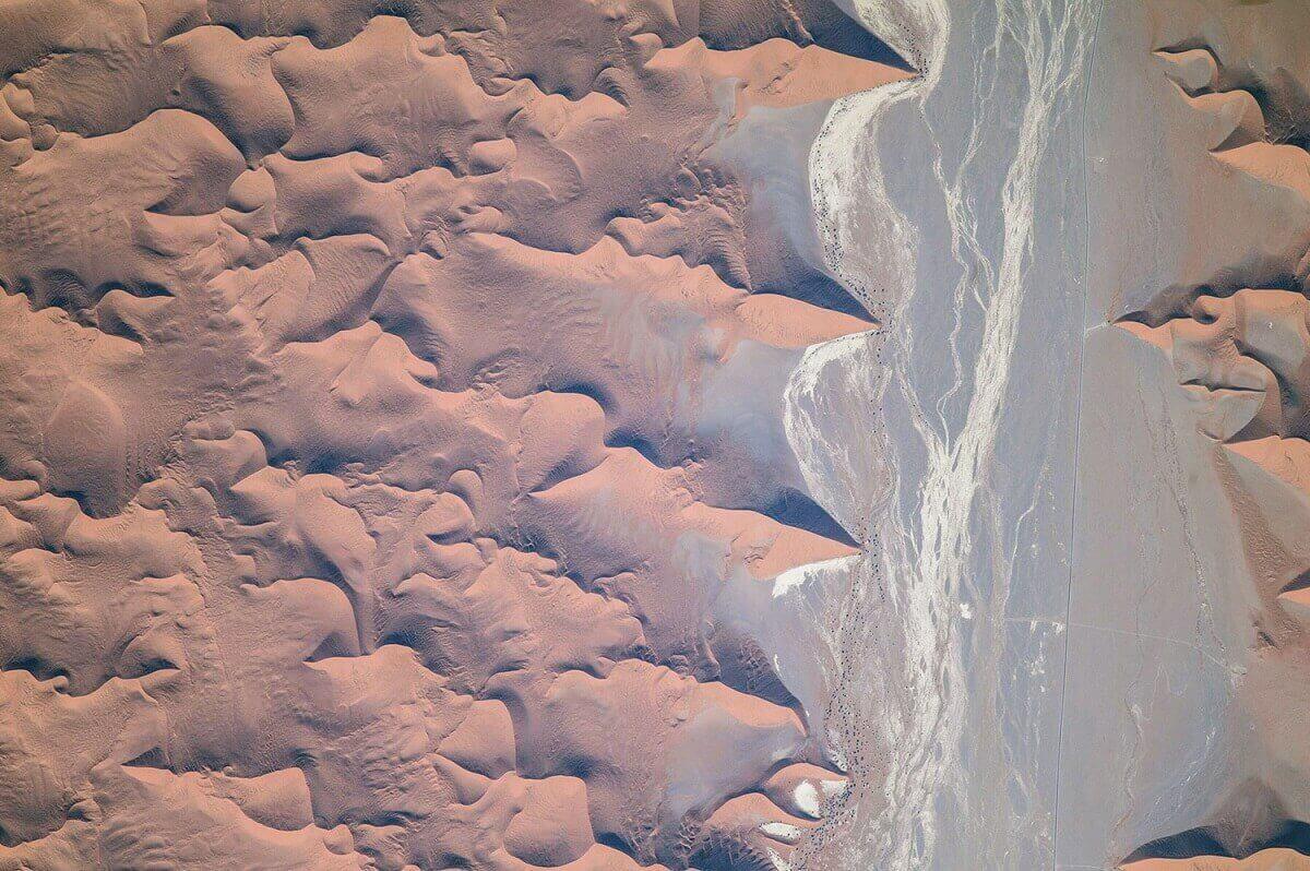 Окраины Намибской пустыни, находящейся в юго-западной части Африки.