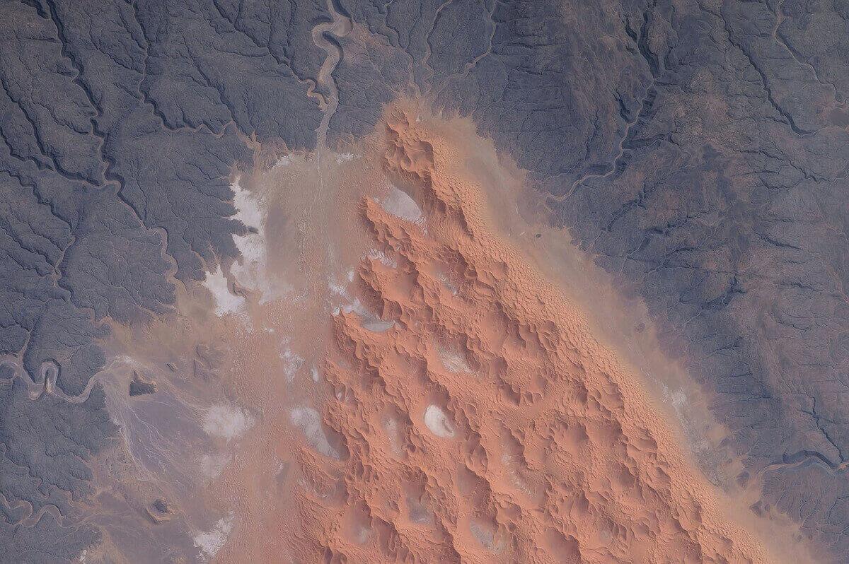 Дюны, заснятые в центральной части Алжира