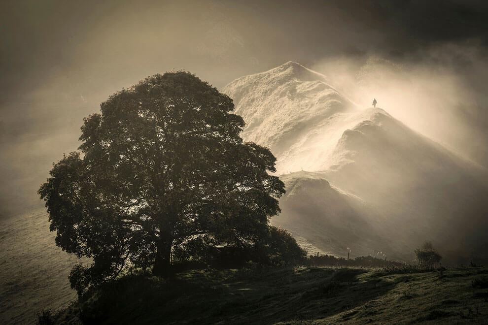 Хром-Хилл, снимок сделан на Пике Дистрикт, Дербишир, выиграл премию «Жизнь в кадре». (Фото Martin Birks - PA Wire)