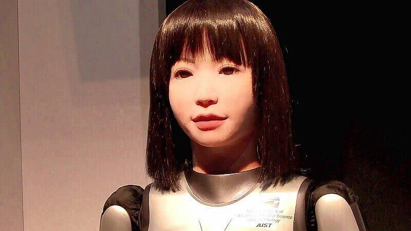 девушка-робот HRP-4C по имени Миим