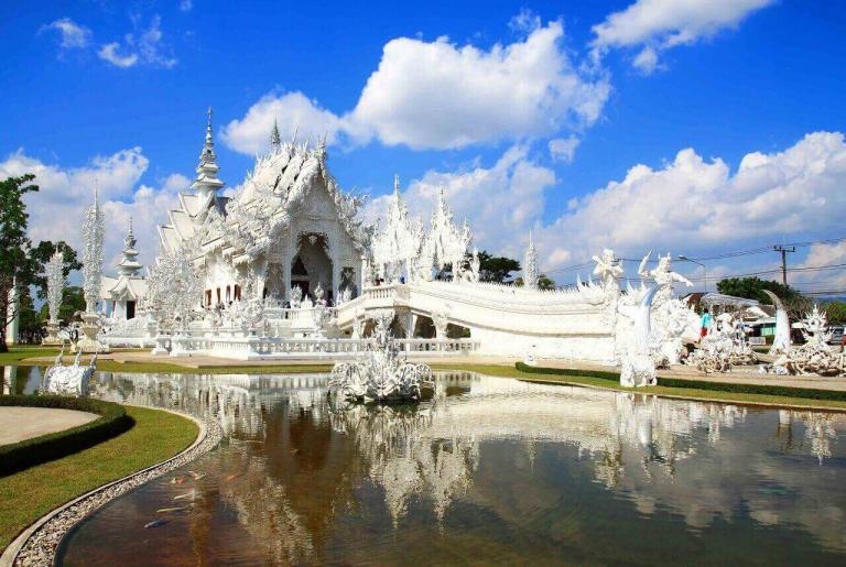 белый храм в чианг мае