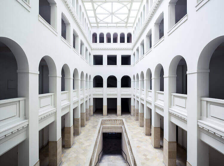 Симметрия интерьеров Берлина