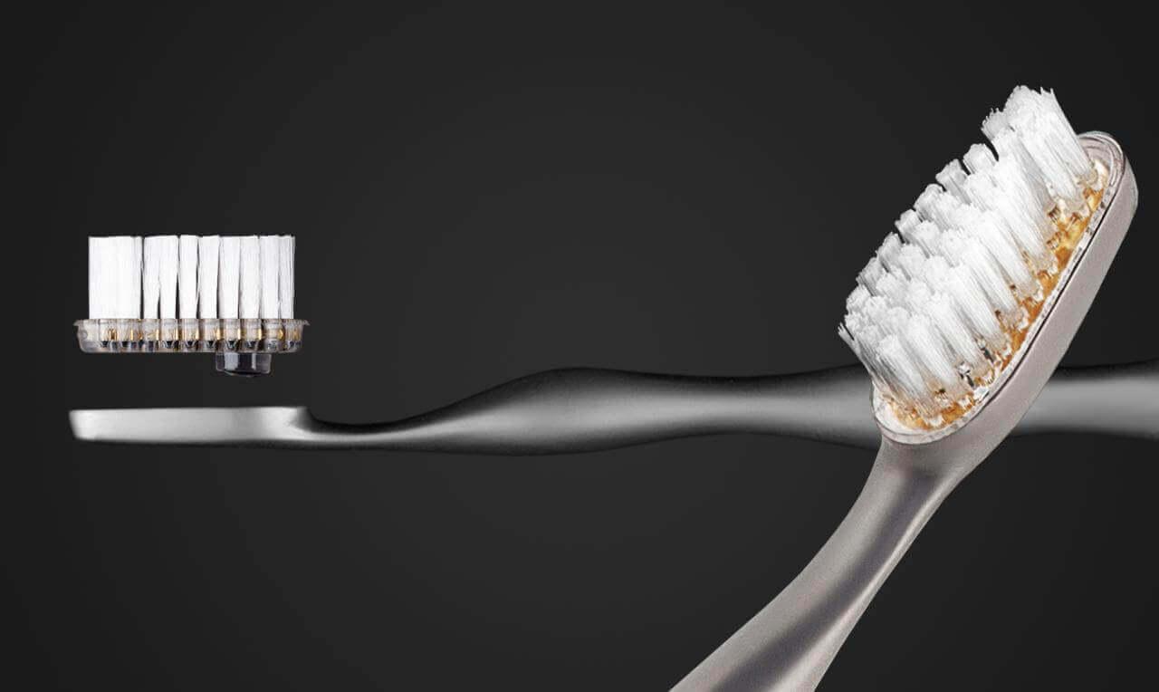 титановая зубная щетка Reinast