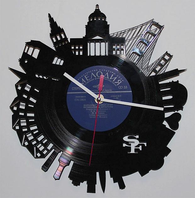 часы из старых пластинок