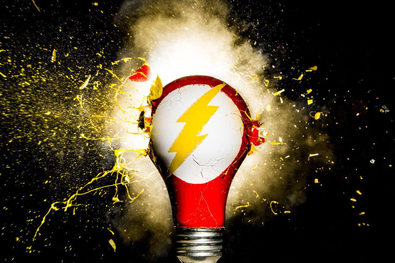 Флэш - Супергерои из лампочек