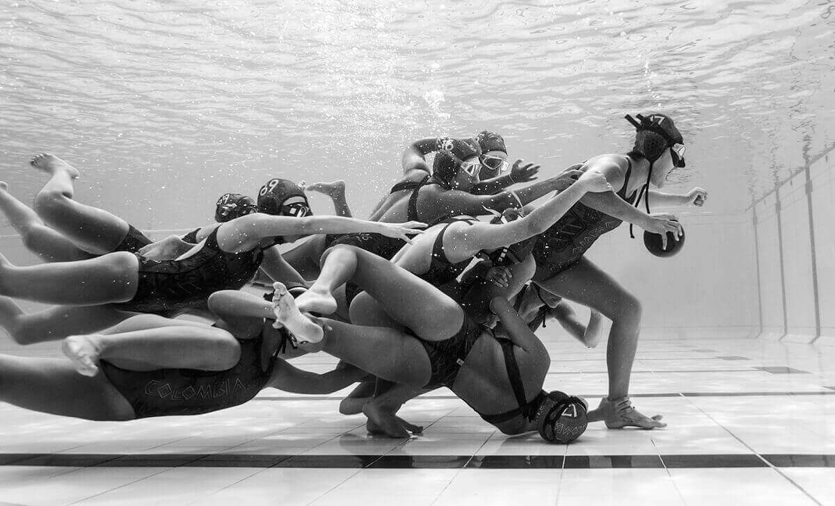 Игра под водой. Камило Диаз