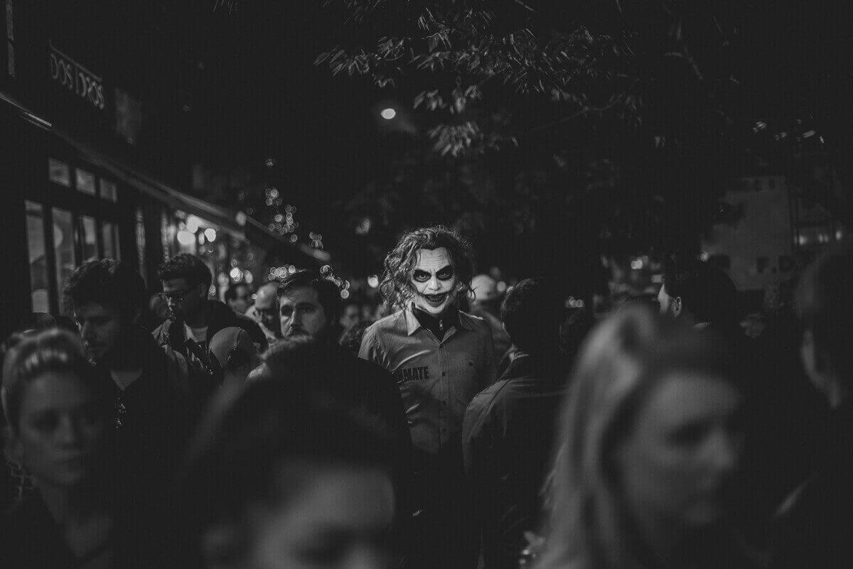 Персонажи Хэллоуина. Константинос Софикитис, Греция