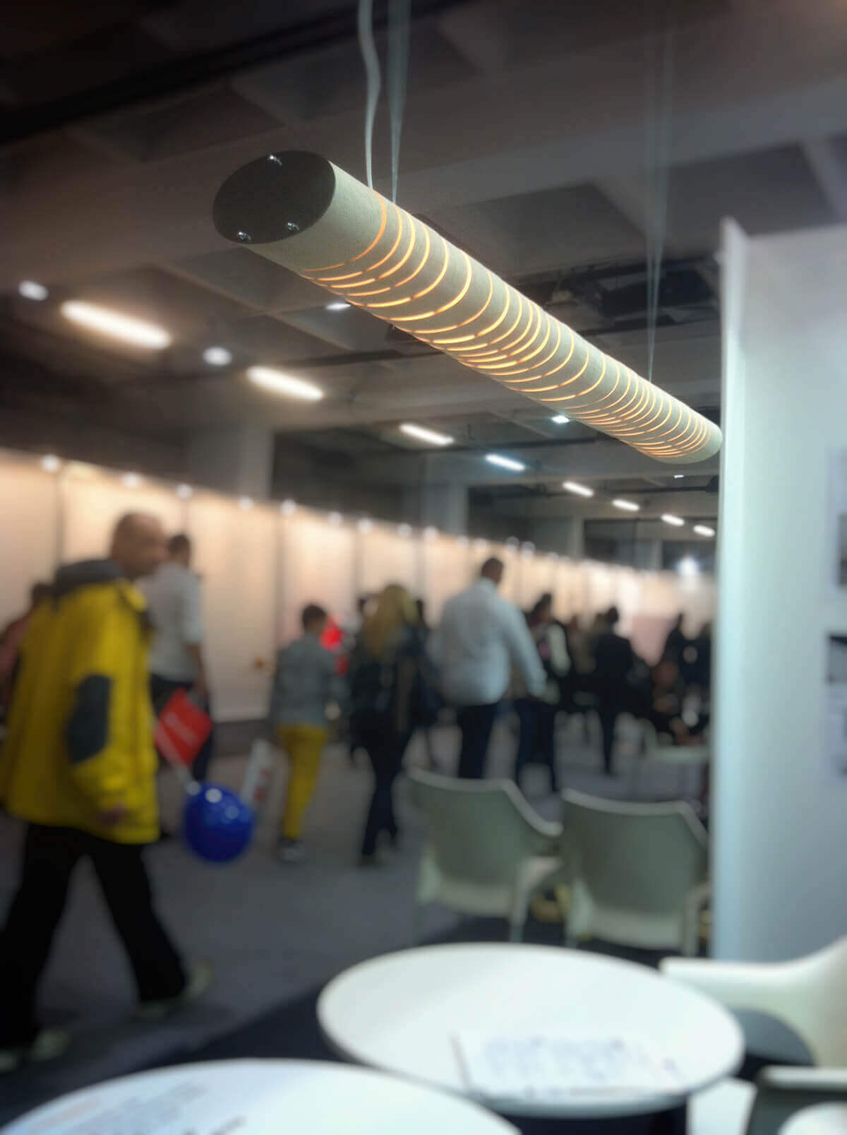 Освещение интерьера с лампой от Ambient