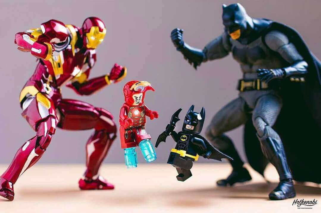 бой миникопий - Batman vs Ironman