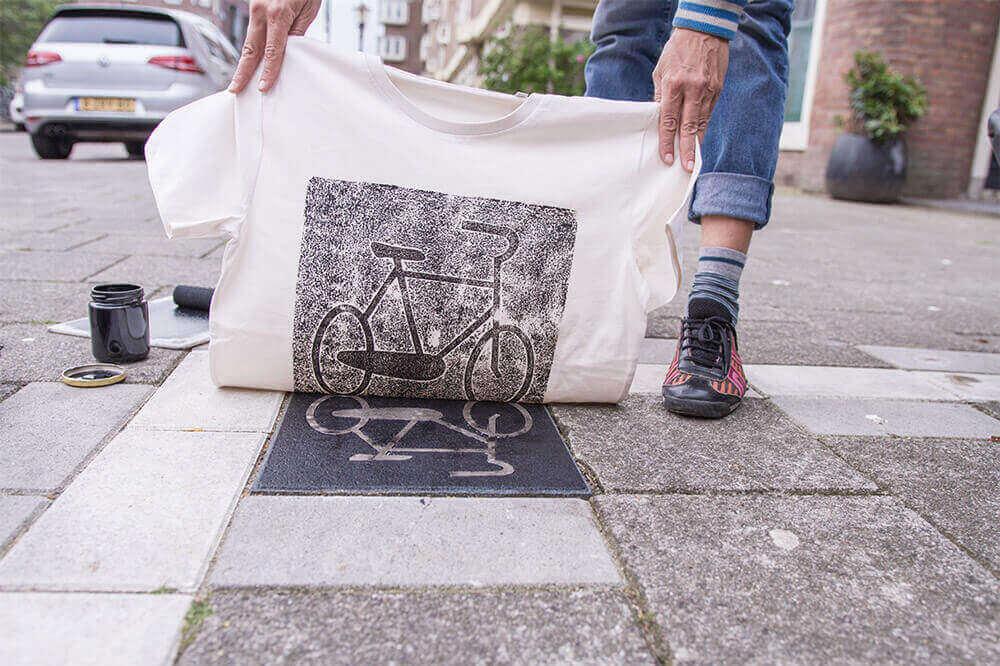 новый дизайн одежды - принты объектов с городских улиц Берлина