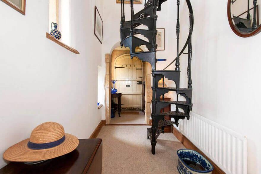 интерьер замка из Англии - Моллис Лодж