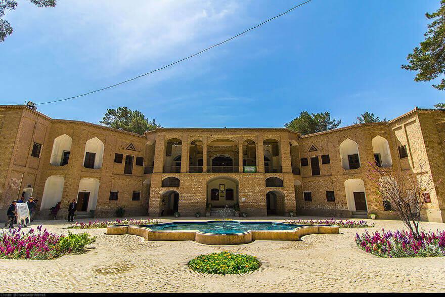 Исторический дворец Акбарие