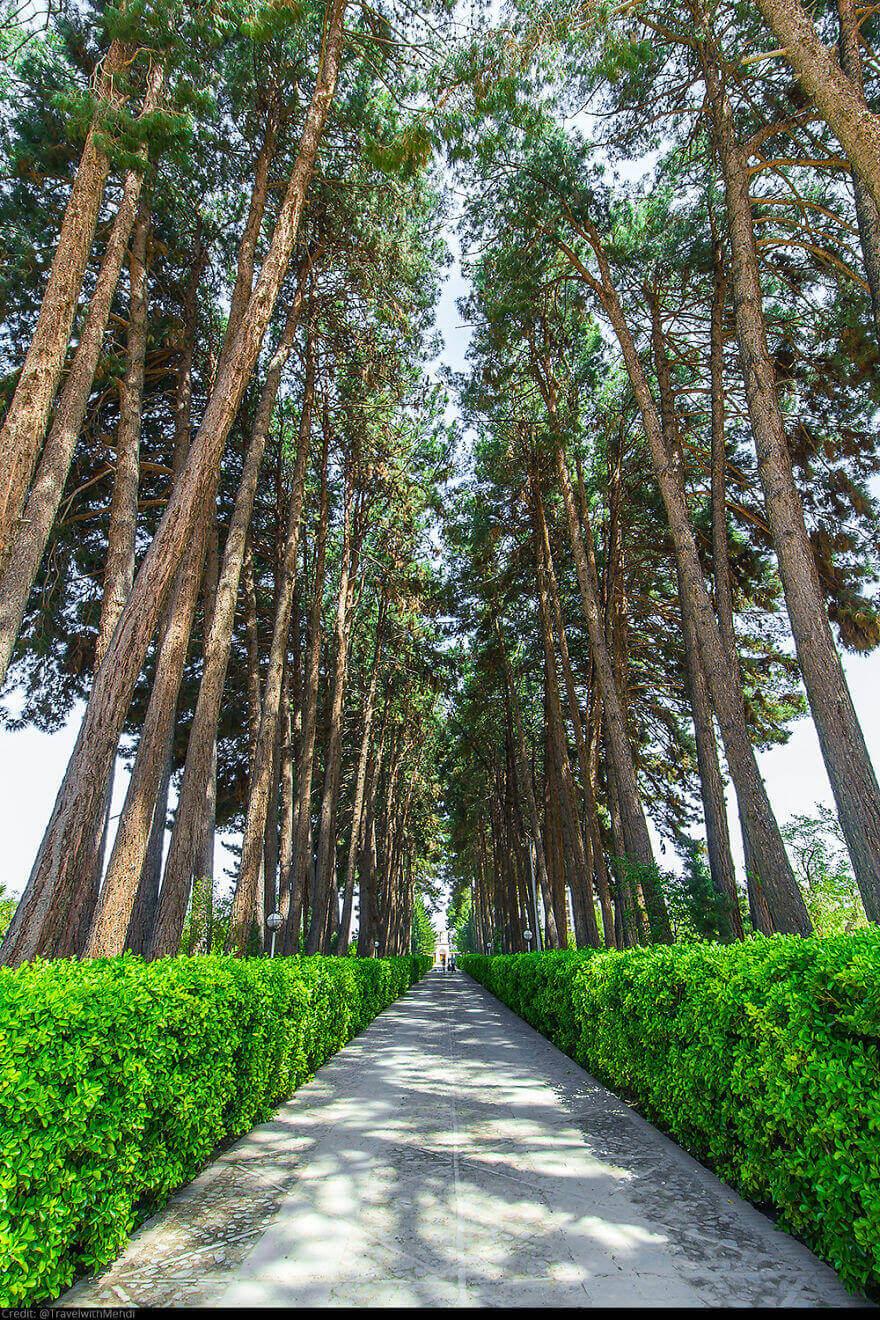Исторический сад Акбарие