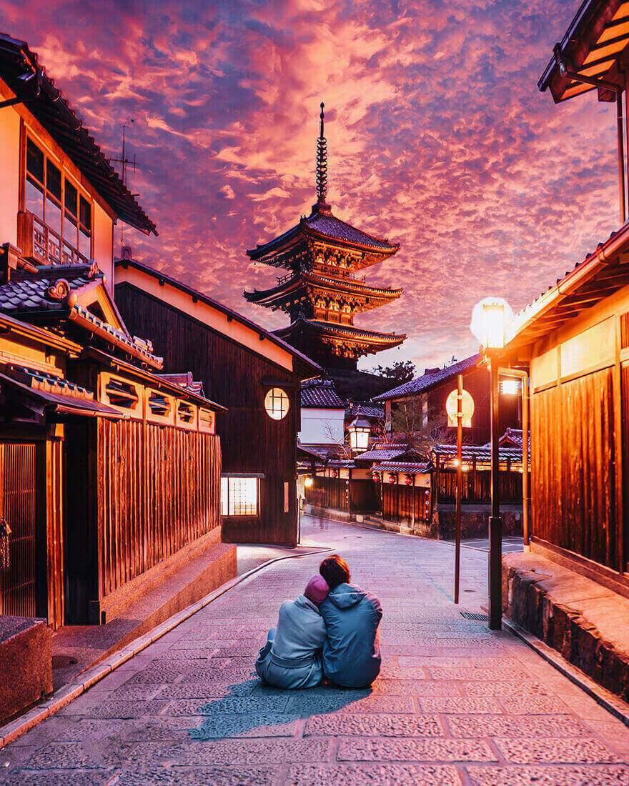 Цветение сакуры в Японии, Киото, Гион